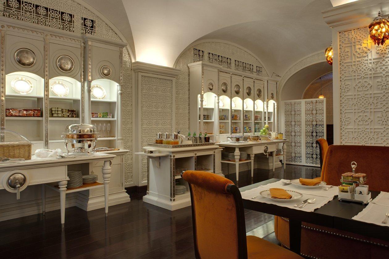 La stanza della colazione a Villa Cora