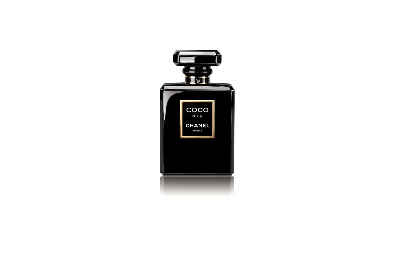 Lusso ed eleganza anche per la nuova fragranza di Chanel, Coco Noir, firmato dal naso Jaques Polge
