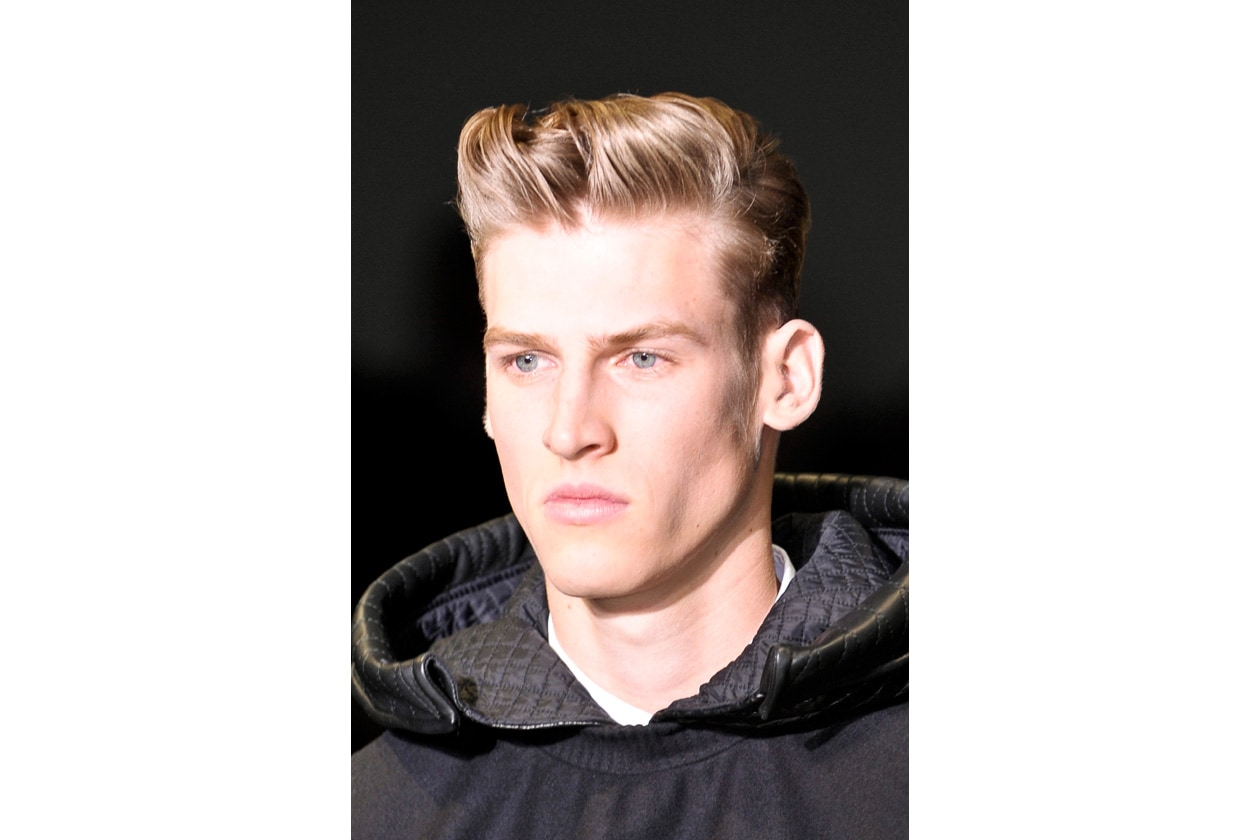 Scolpito il taglio di Calvin Klein: per replicare usate il gel e modellate con le dita