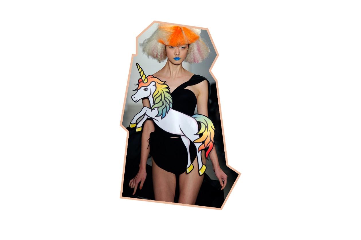 Abito con unicorno cartoon di Jeremy Scott ful F12