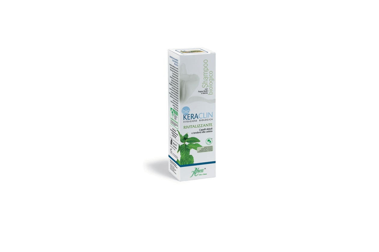 Garantisce l'integrità del capello grazie alla funzione nutritiva della pappa reale, alle proteine del riso e ai semi di lino lo shampoo Keraclin di Aboca