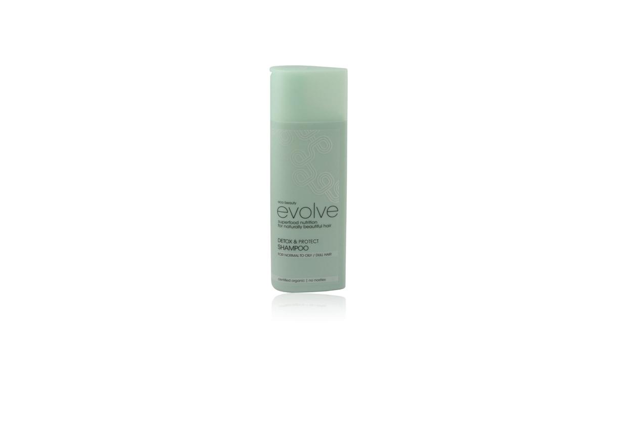 Il Detox & Protect di Evolve pulisce a fondo la chioma e la protegge dall'aggressione dello smog e dei prodotti per lo styling