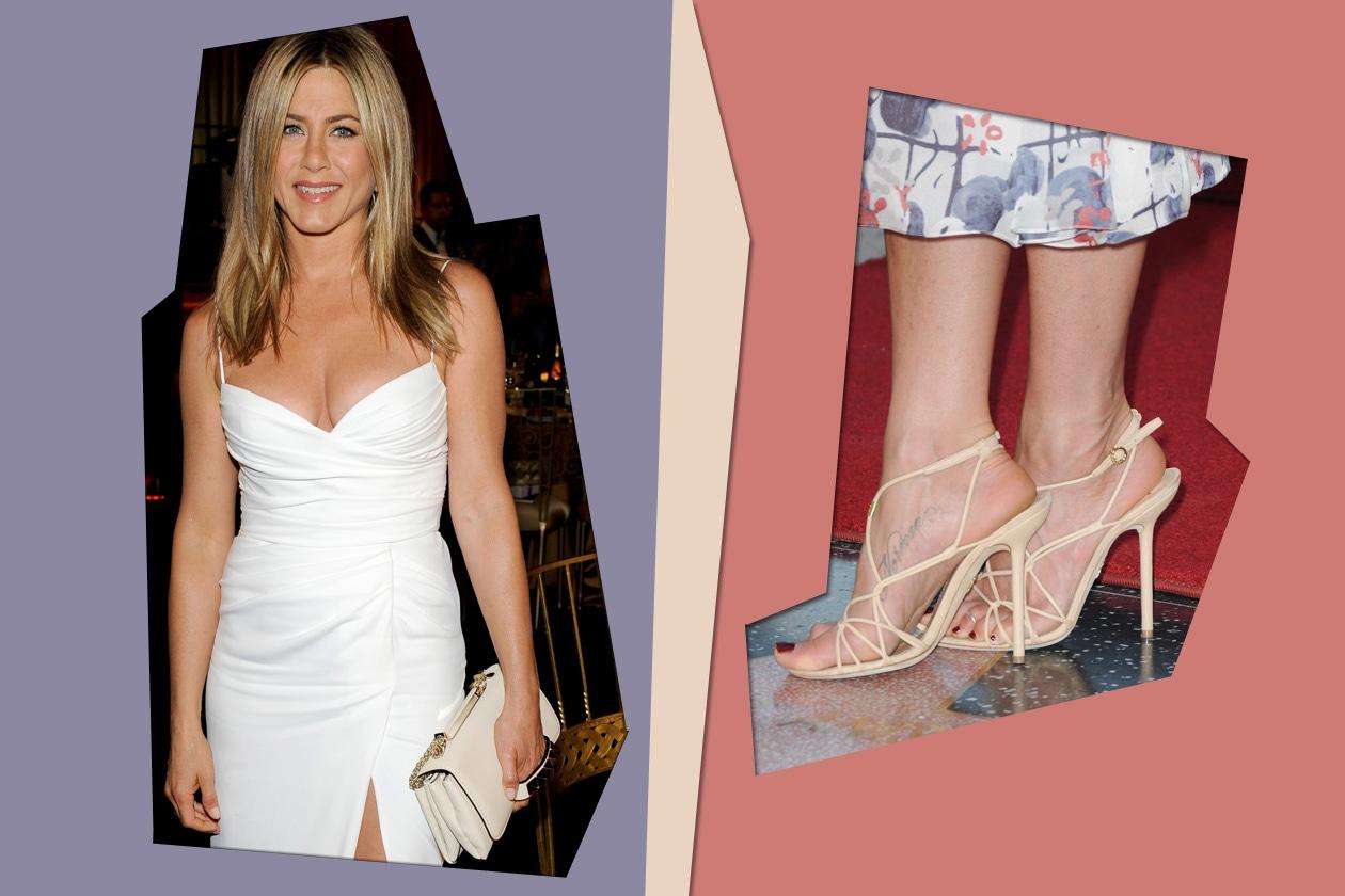 Jennifer Aniston sceglie il rosso per mettere in risalto un piede totalmente scoperto