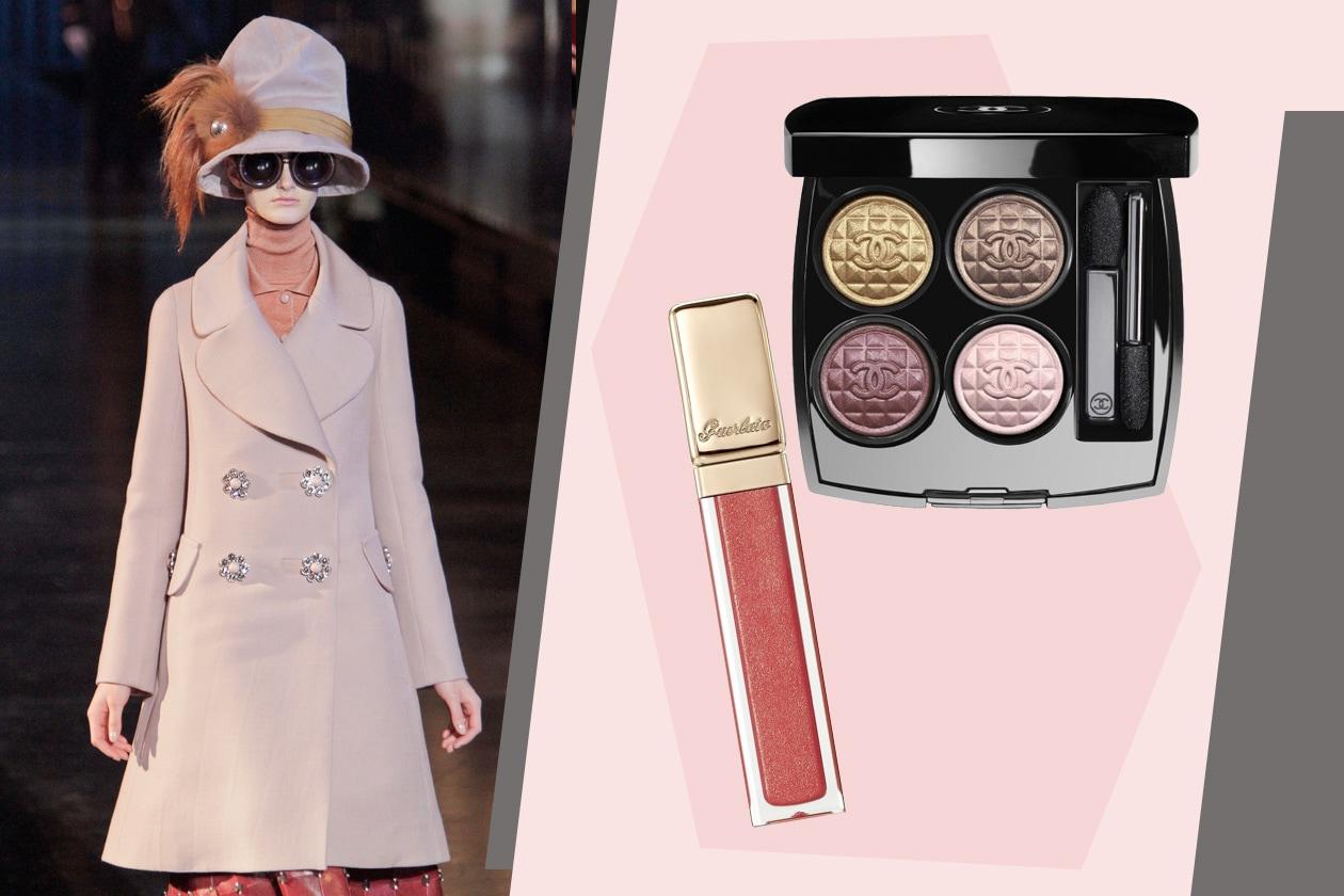 Le palpebre nascoste dagli occhiali (Vuitton) si illuminano con le polveri della palette Harmonie du Soir (Chanel); sulle labbra va il gloss Guerlain