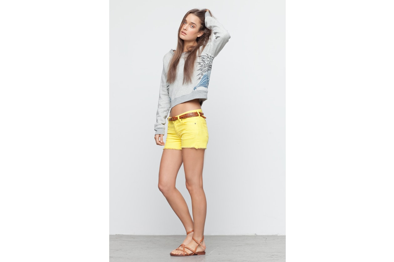 Look Book Citizens of Humanity Look Book Donna AVA CUT OFF IN CITRON NO 978B 298