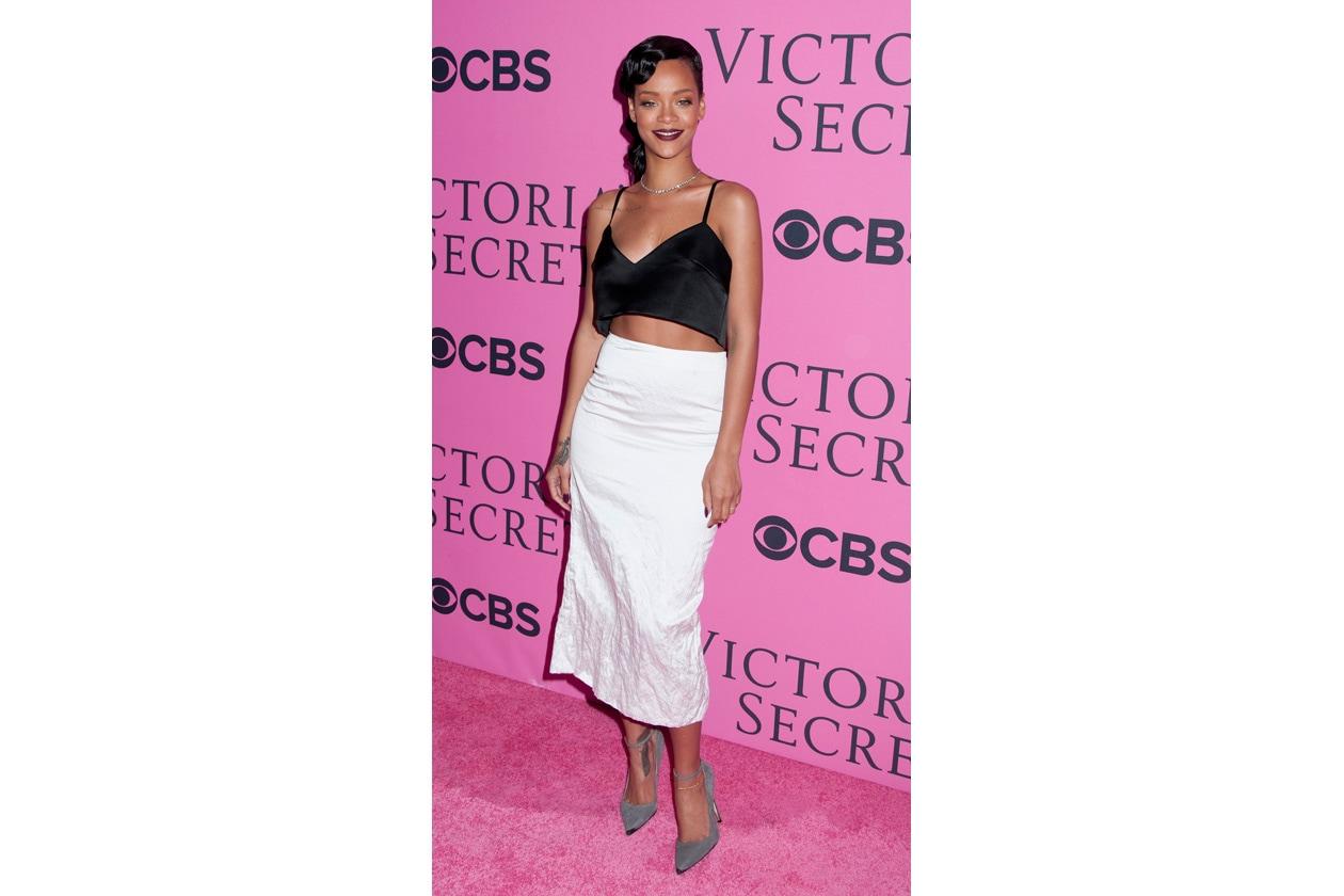 Rihanna top&skirt Miu Miu SS13