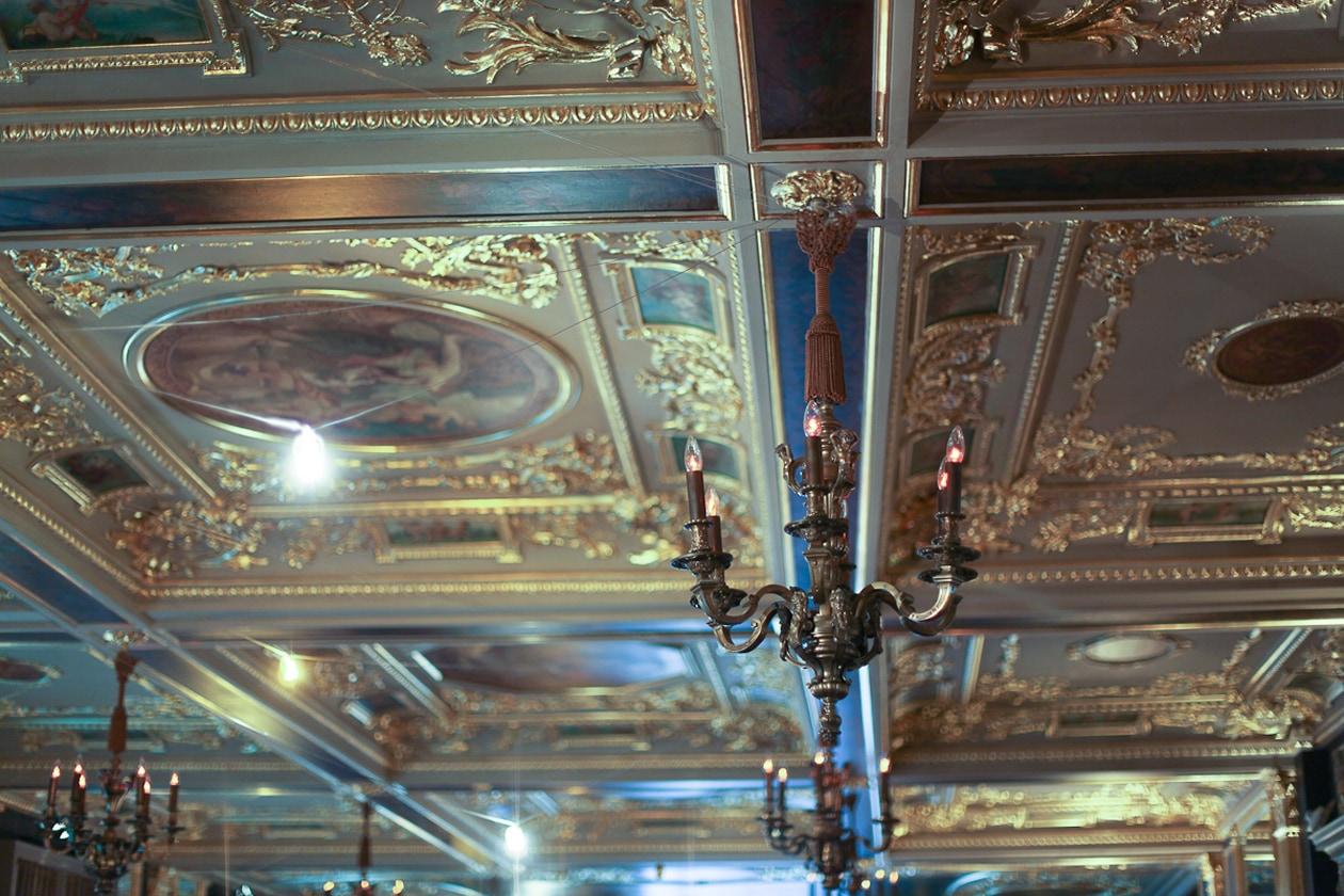 Soffitto della sala cocktails