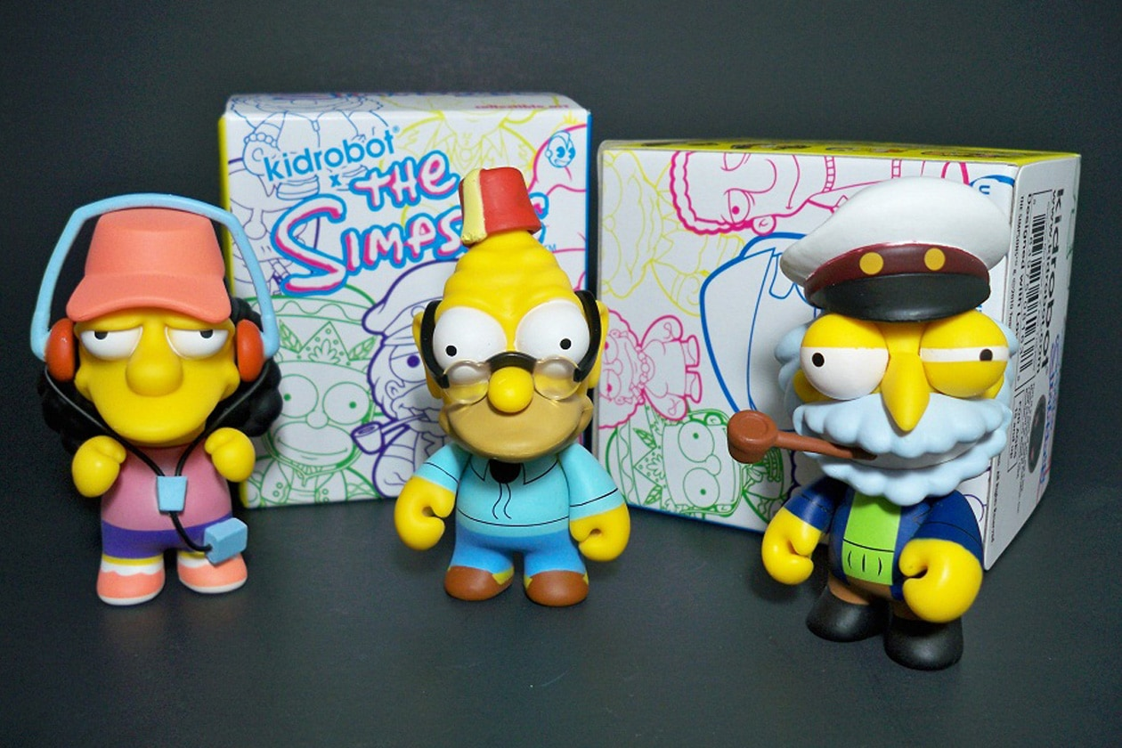 simpsons figures and packaging1