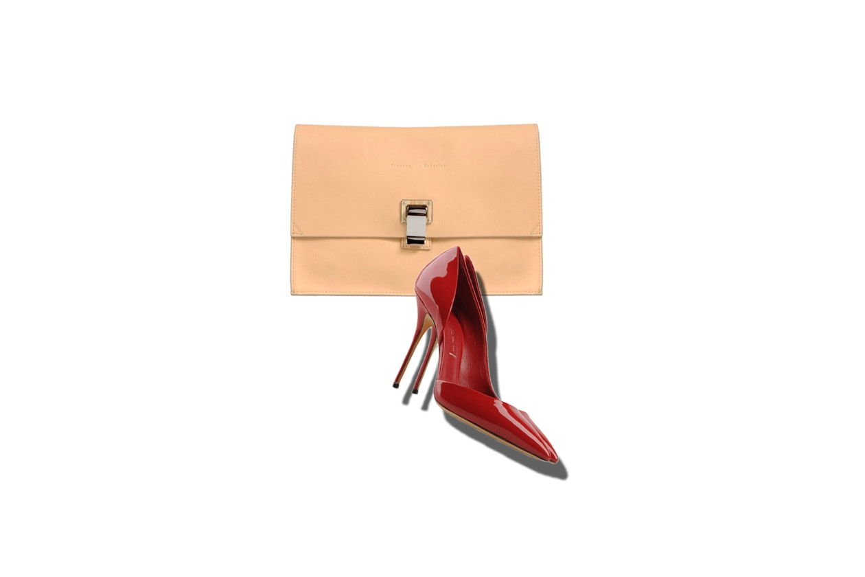02 Capodanno Look Lady in red Pochette Proenza Schouler Casadei shoes red