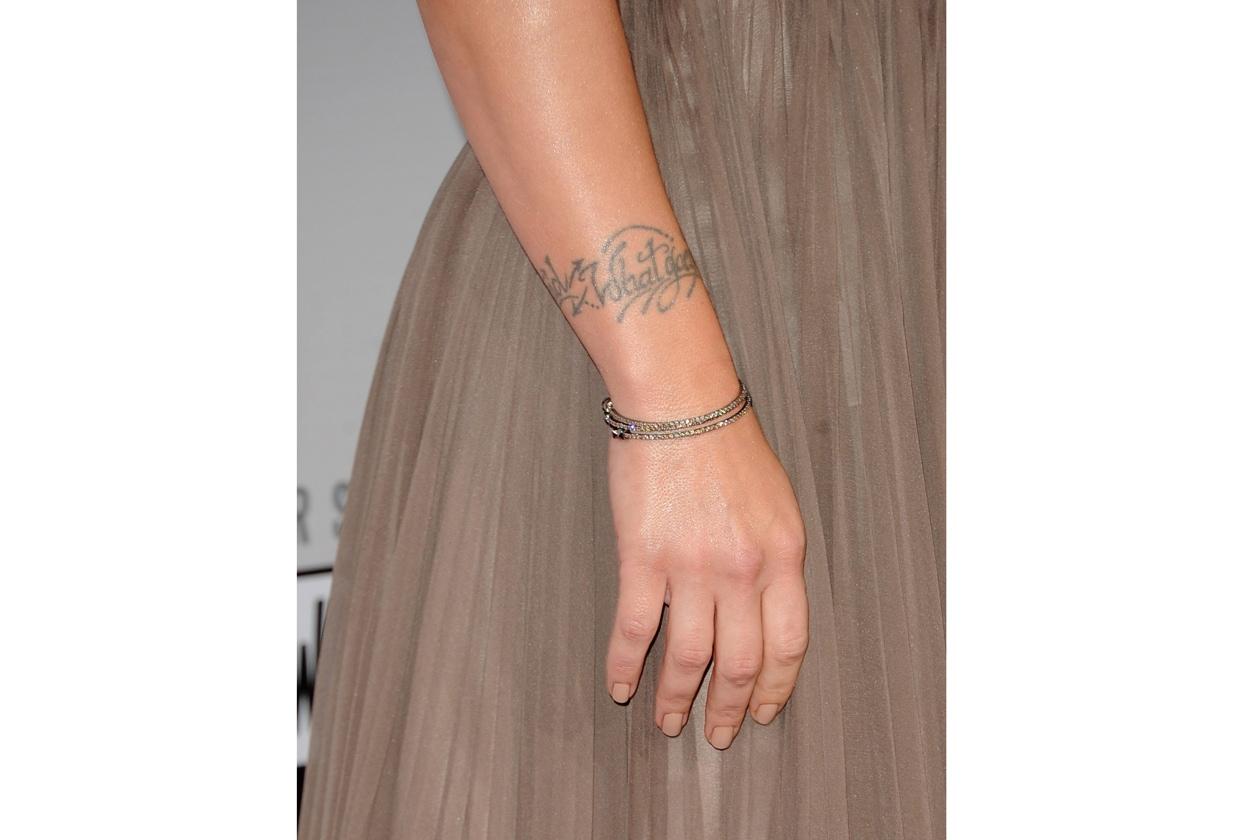 Ai Music Awards di Los Angeles Pink ha preferito una nuance nude