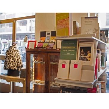 Dressebook: Il nuovo concept store milanese