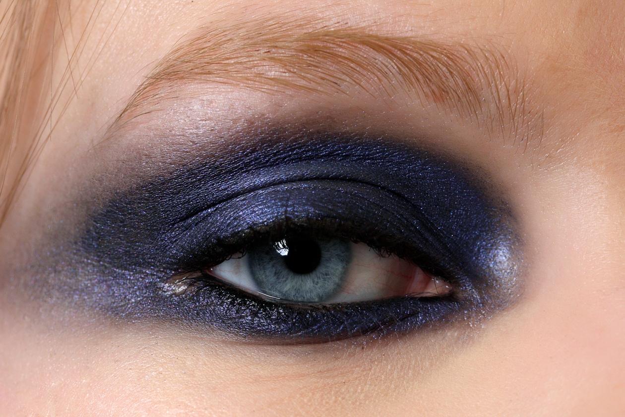 Focus occhi: full color per la modella di Gianfranco Ferré