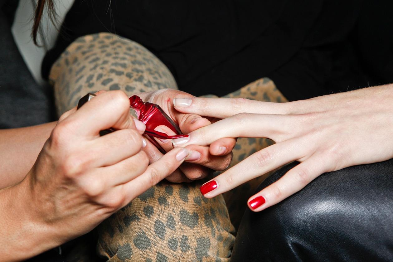 Il rosso è il colore scelto da molti make up artist per le sfilate autunno-inverno 2012-13 (Paola Frani)