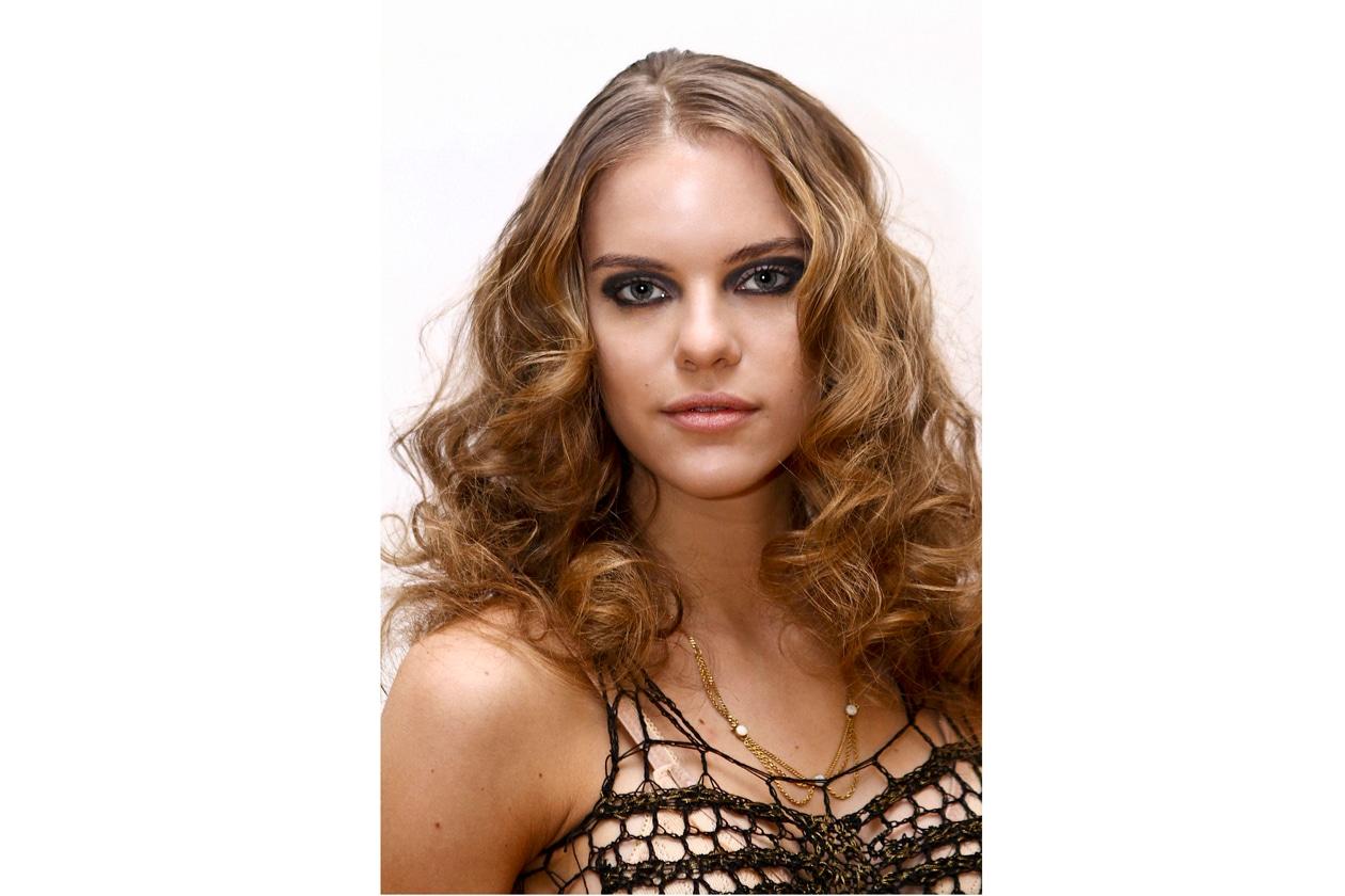L'acconciatura di Alisha Trimble richiede la massima cura per il capello