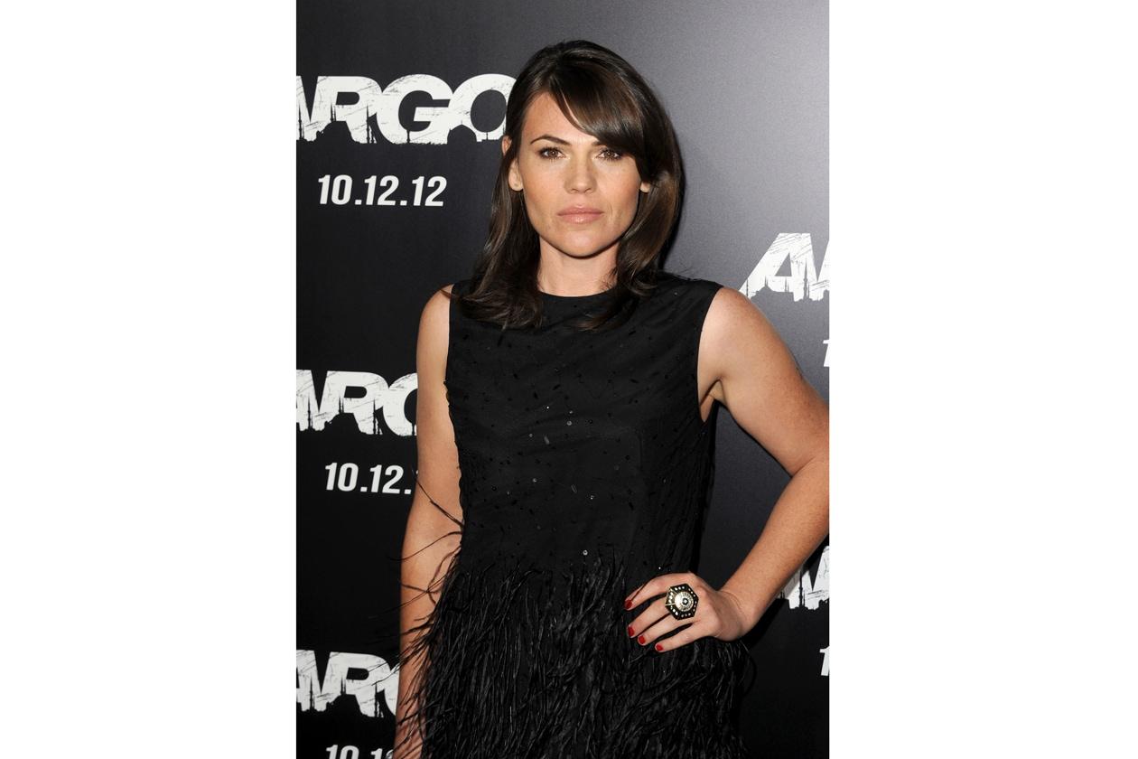 """Rosso fuoco è il colore della lacca scelta da Clea DuVall per la premiere di """"Argo"""""""