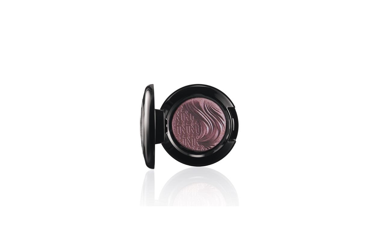 MAC Extra Dimension Eyeshadow Round Midnight