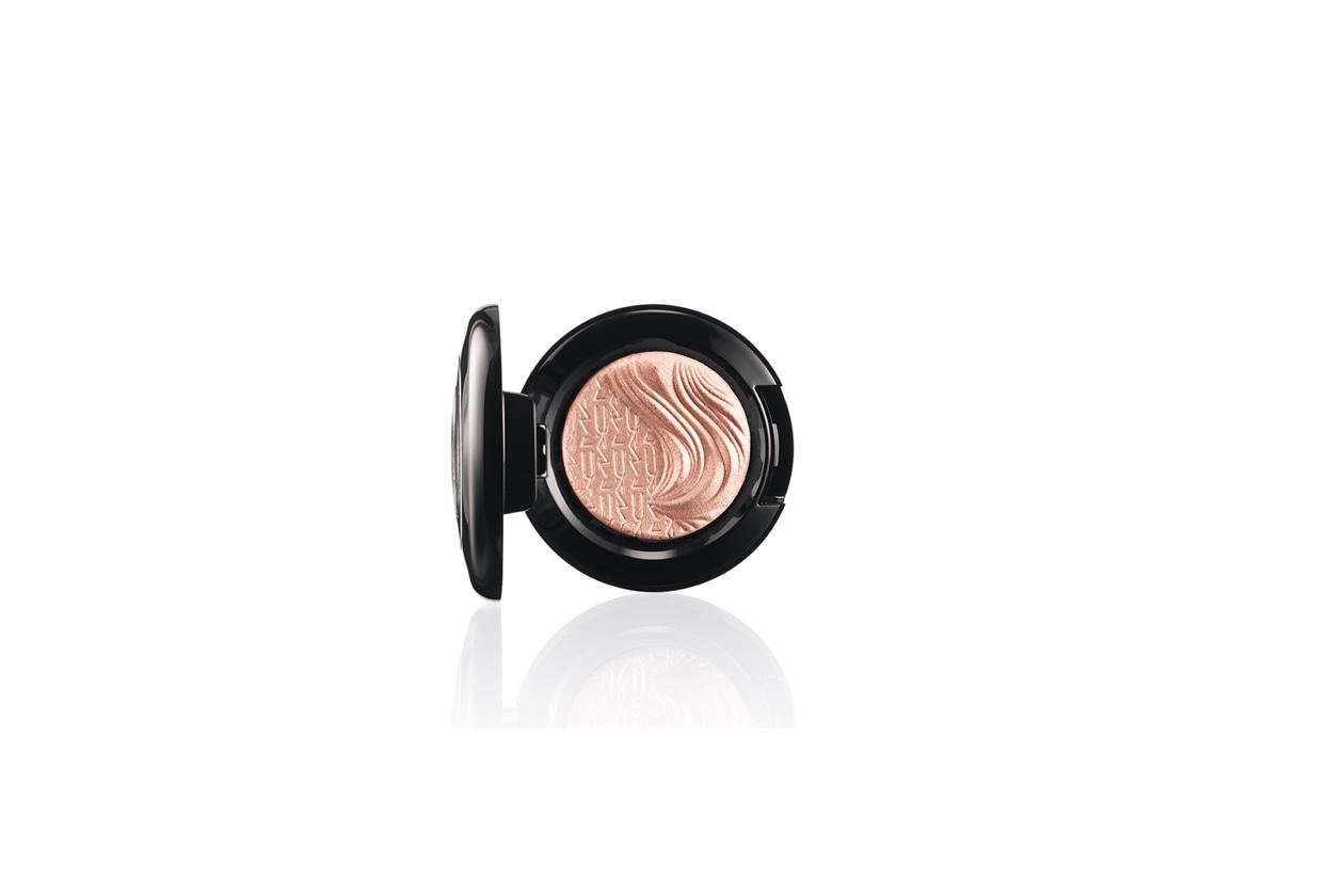 MAC Extra Dimension Eyeshadow A Natural Flirt
