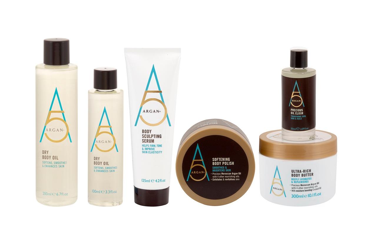 L'olio di argan, presente nella linea Argan 5 +,  è un vero e proprio elisir di benessere per la pelle del corpo e del viso e per i capelli