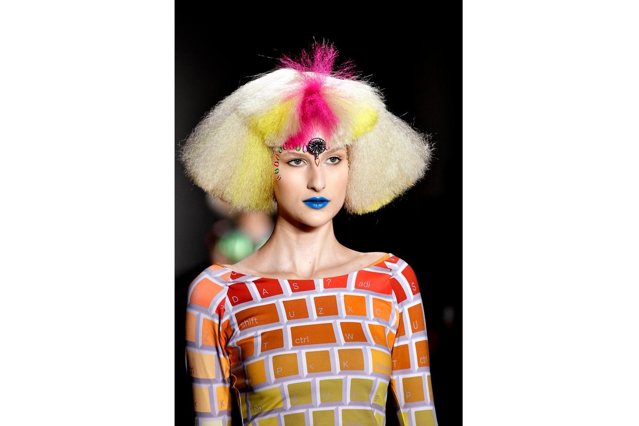 Multicolor esuberante per Jeremy Scott