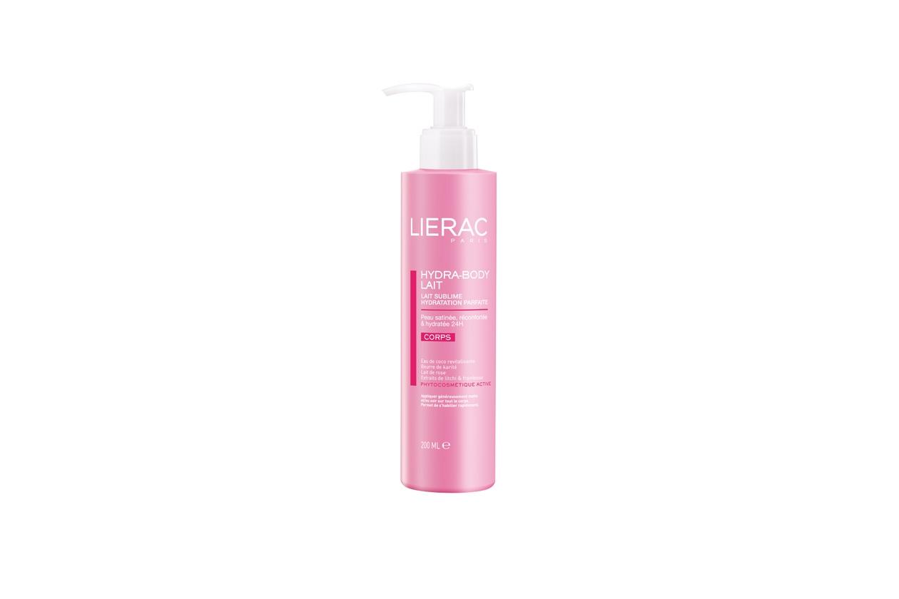 Tra i prodotti per il corpo segnaliamo l'Hydra-Body Latte di Lierac a base di acqua di cocco rivitalizzante, burro di karité e latte di rosa