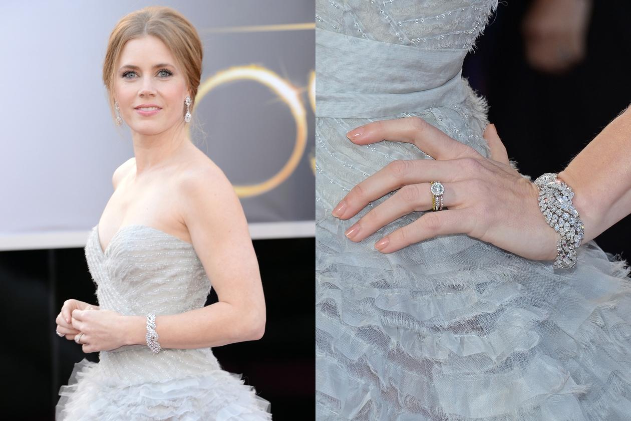 Amy Adams vince il premio per la migliore manicure nude