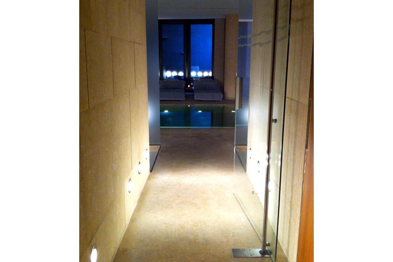 L'ingresso nella sala principale della SPA Hotel Bulgari a Milano