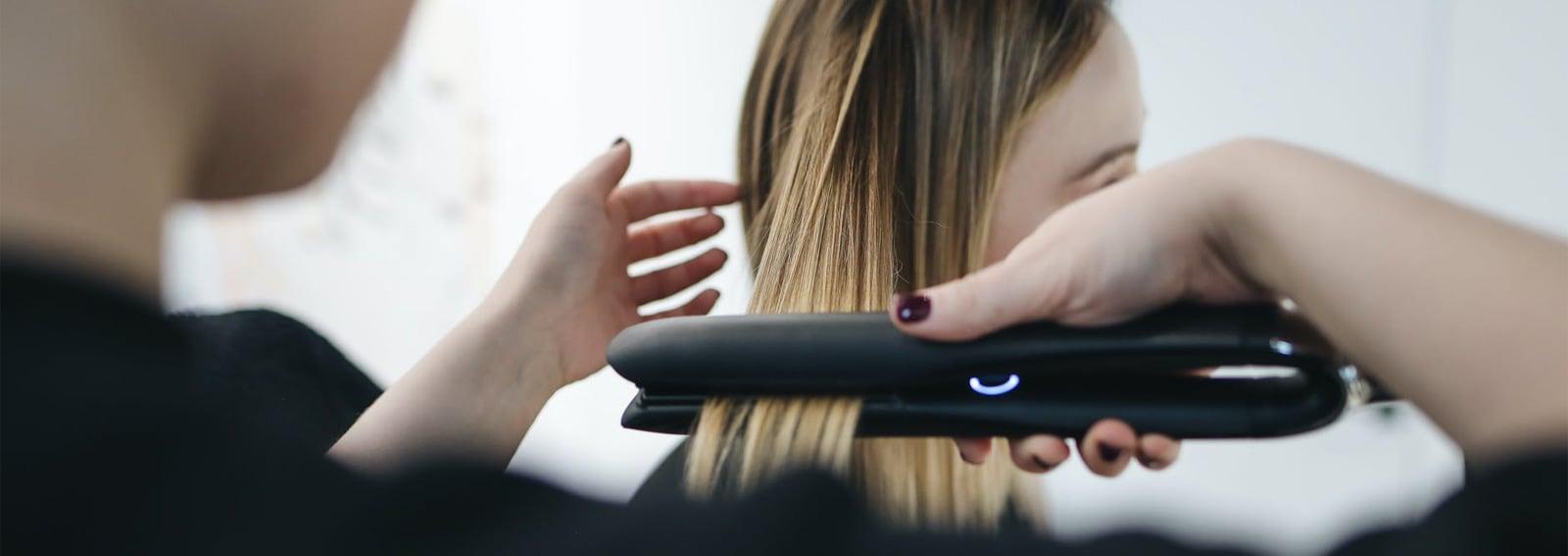 Le-migliori-piastre-per-capelli-lisci-e-sani-cover-desktop-01