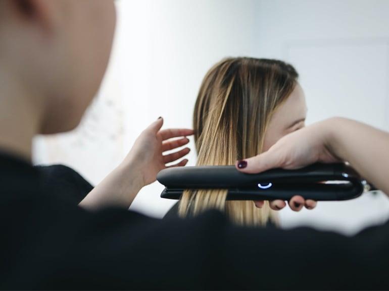Le-migliori-piastre-per-capelli-lisci-e-sani-cover-mobile-01