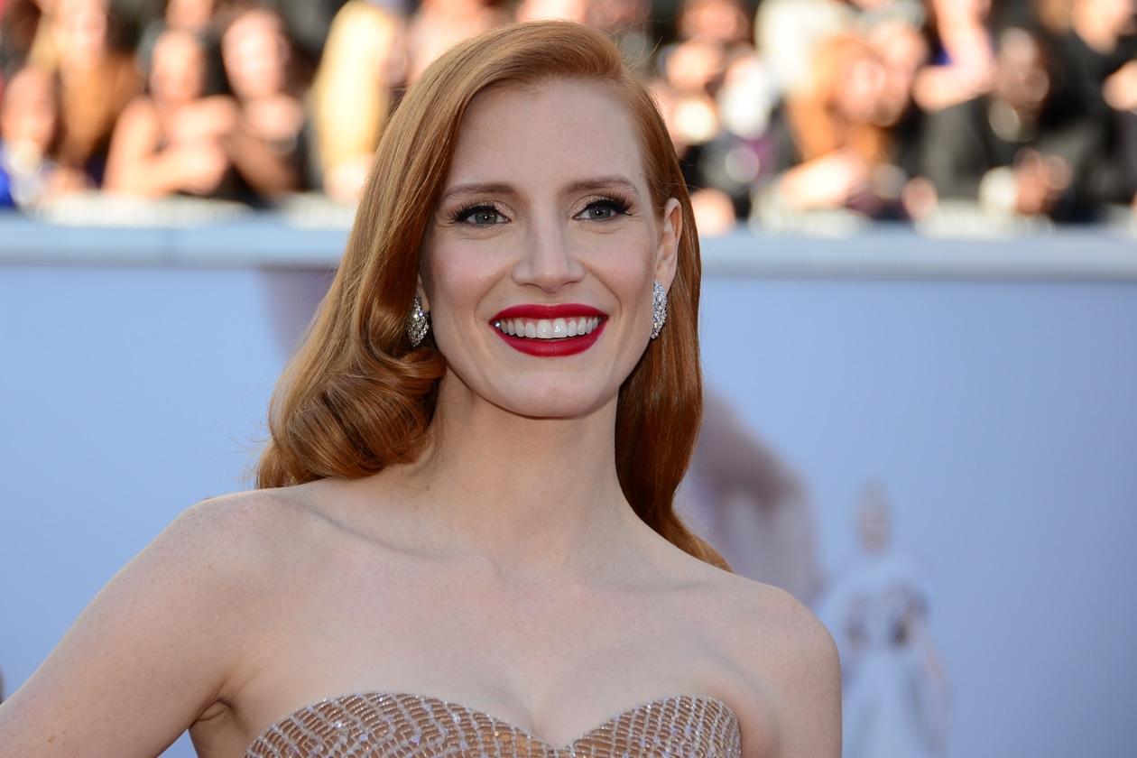 Miglior rossetto rosso: il premio va alla regina dello stile per eccellenza, Jessica Chastain