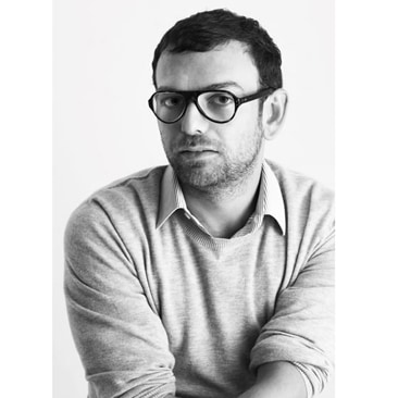 Russo lascia la direzione creativa di Sergio Rossi