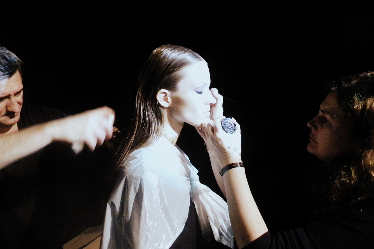 Roberto Cavalli A/I 2013-14: il backstage beauty & hair