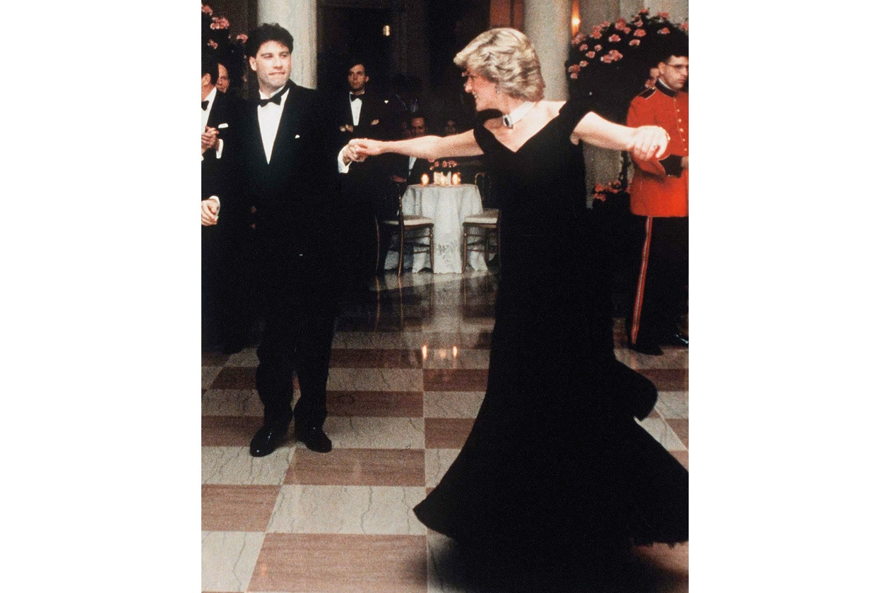 07 LADY DIANA DANCES WITH JOHN TRAVOLTA