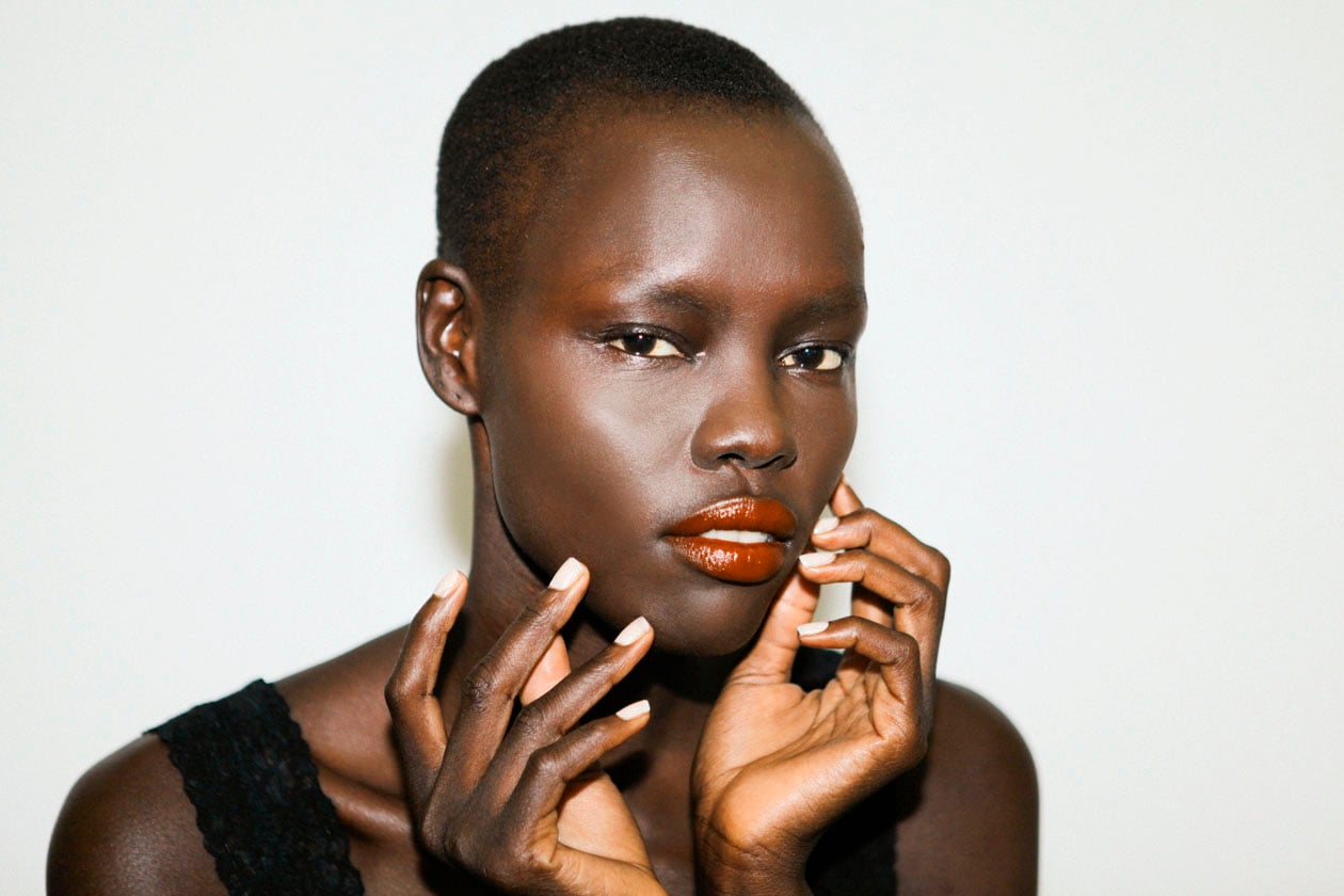 Il bianco è perfetto anche sugli incarnati scuri (Stéphanie Lapointe)