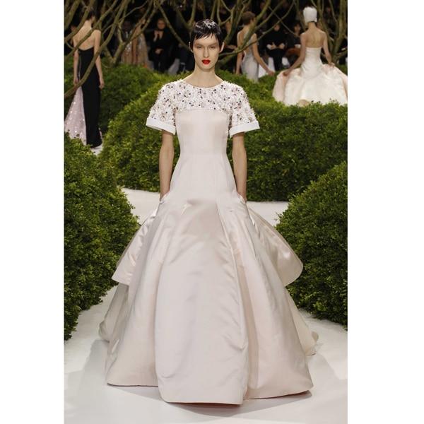 L'haute couture di Dior sfila a Shanghai