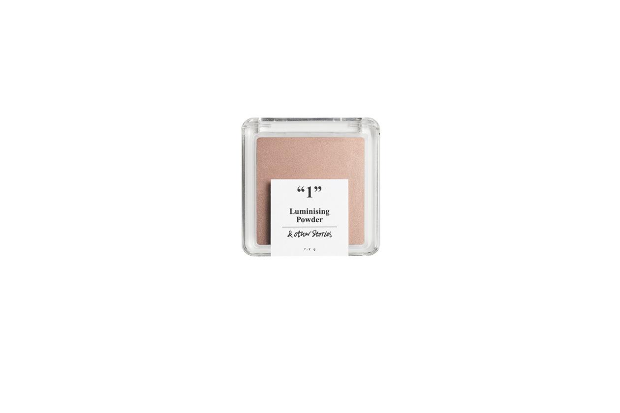 Luminizing Powder è il fard illuminante della nuova linea make up di & Other Stories