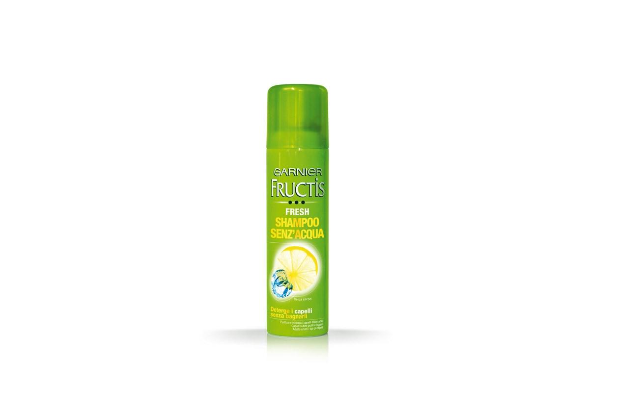 Per chi non ha molto tempo a disposizione c'è lo Shampoo senz'acqua di Garnier Fructis