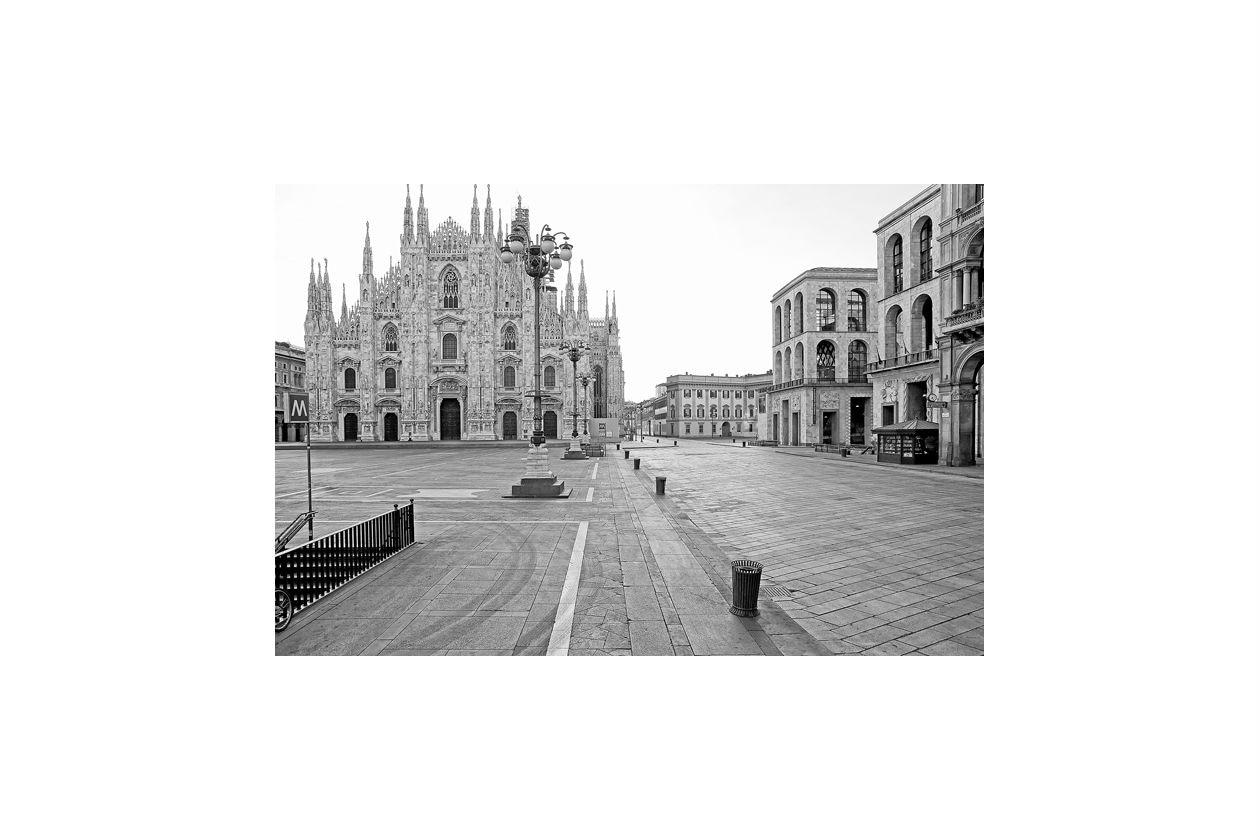 Settimio Benedusi, Milano Piazza Duomo Ferragosto