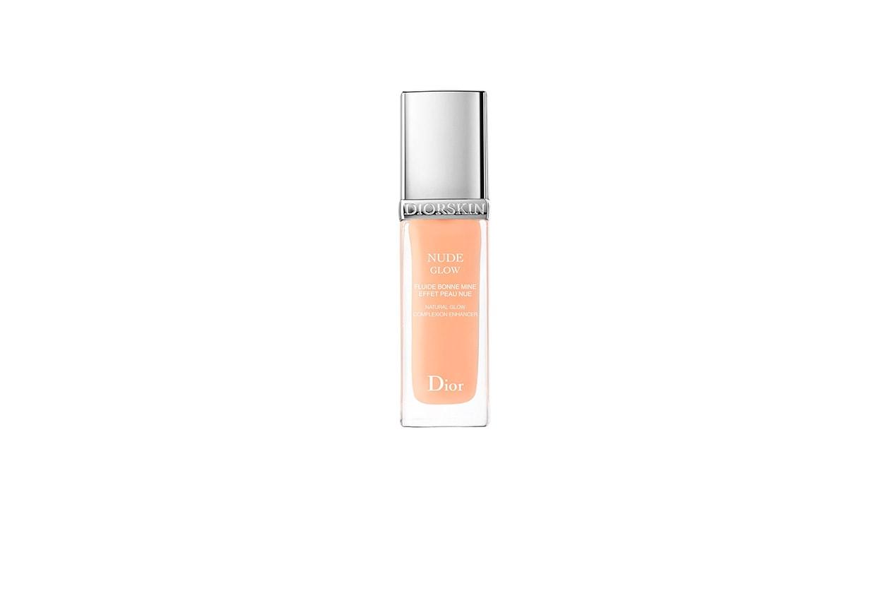 Un fluido da applicare prima del fondotinta: il Nude Glow di Dior è perfetto per preparare il viso alla luce estiva