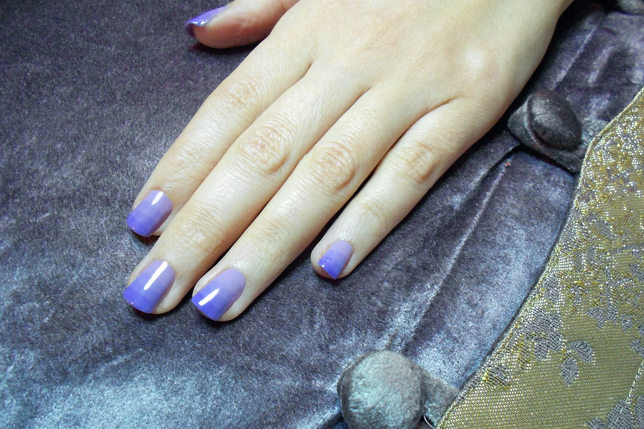01 PurpleStripes nails