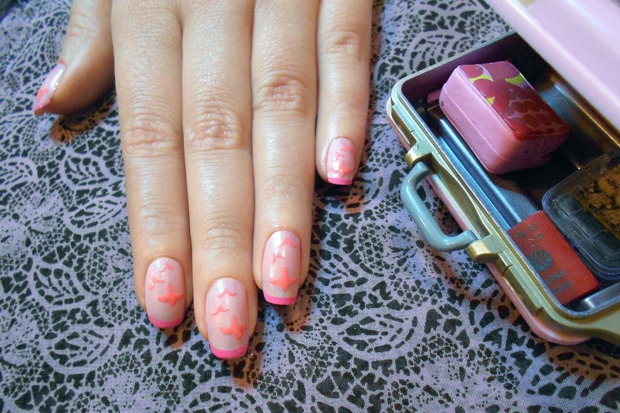 02 StatementPalePink nails