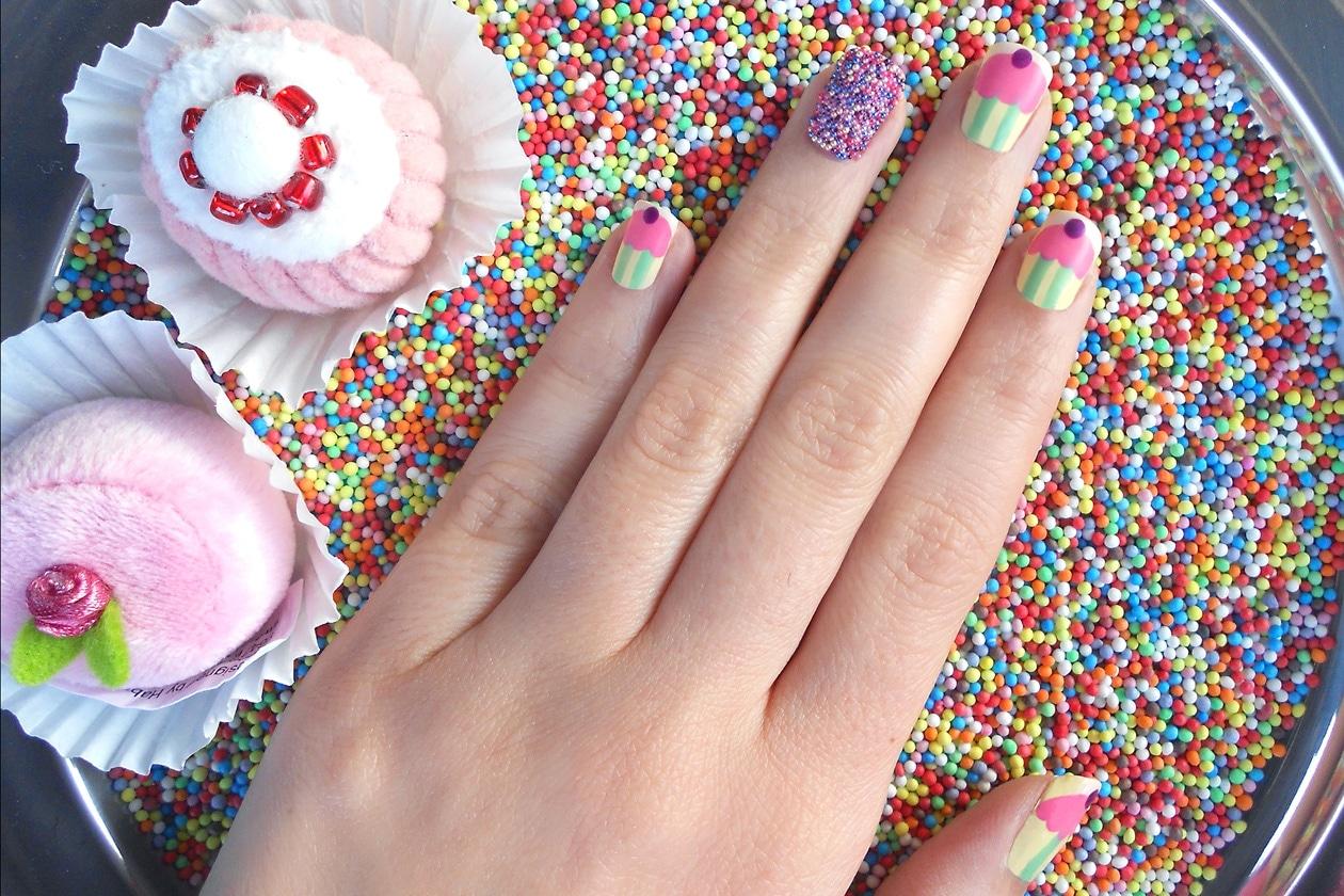 06 CupcakeGalore nails