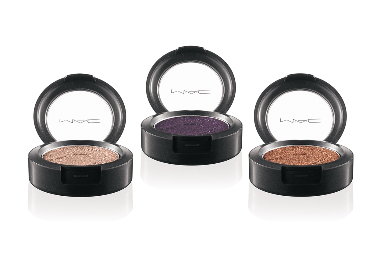 08 MAC LargeEyeShadow AlteredState