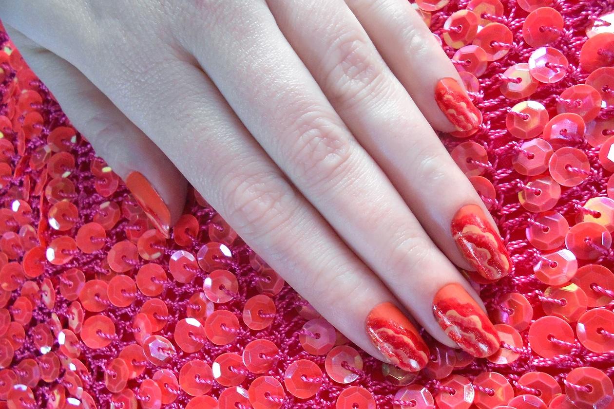 08 RuchesManicure nails