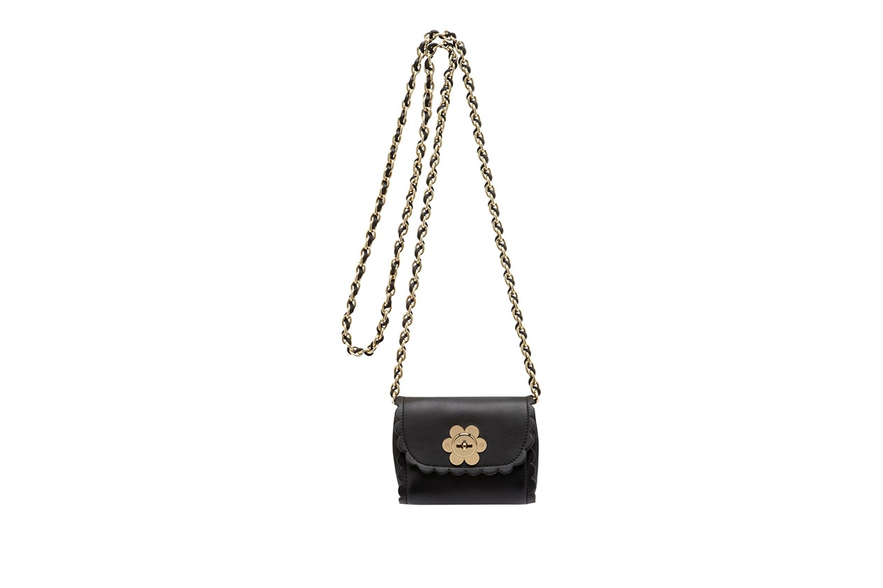 Fashion Get the look Alexa mulberry mini flower
