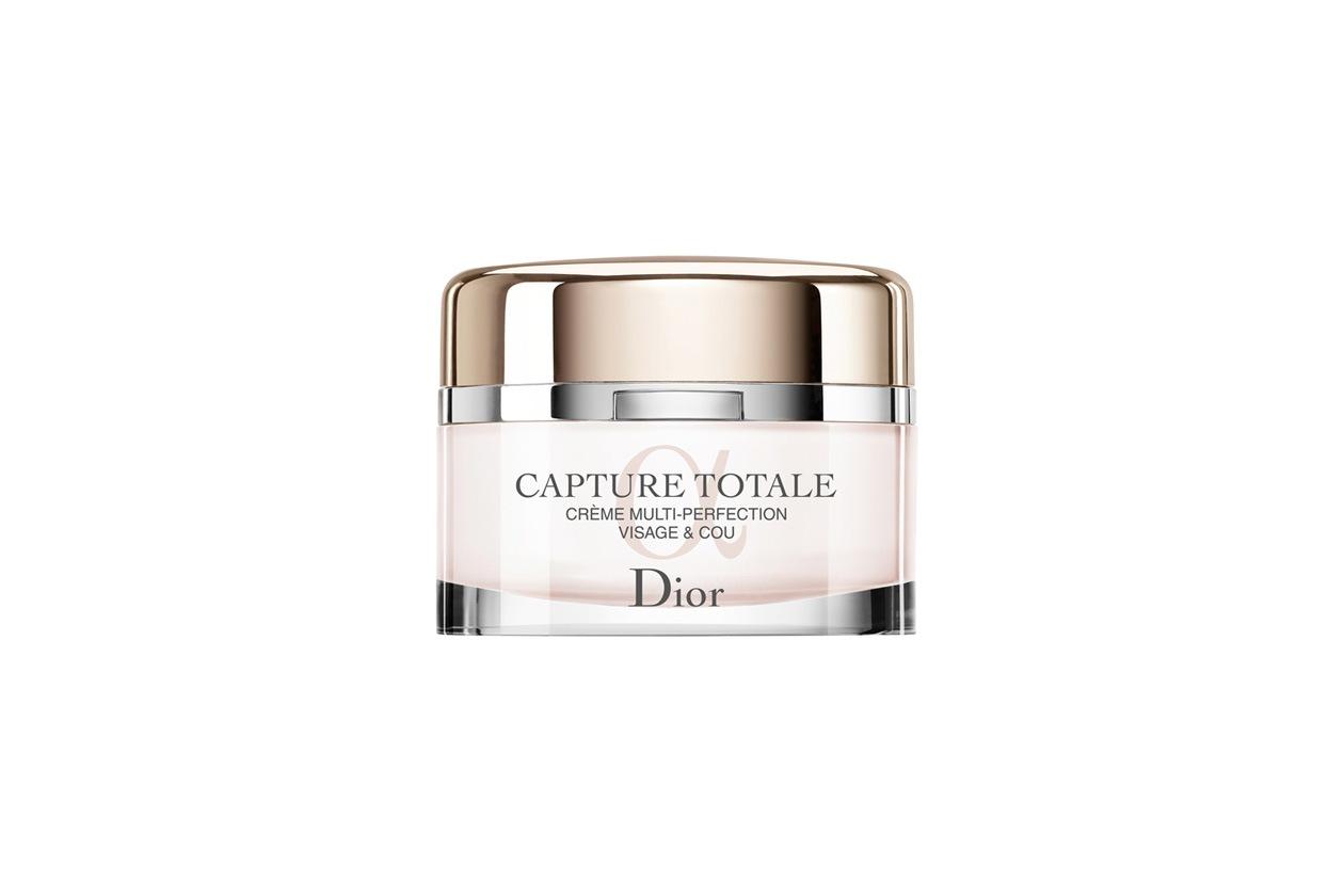 Favorisce il metabolismo cellulare, illumina e intensifica lo sguardo, migliorando la idratazione e riducendo i gonfiori il trattamento Multi-Perfection Capture Totale di Dior