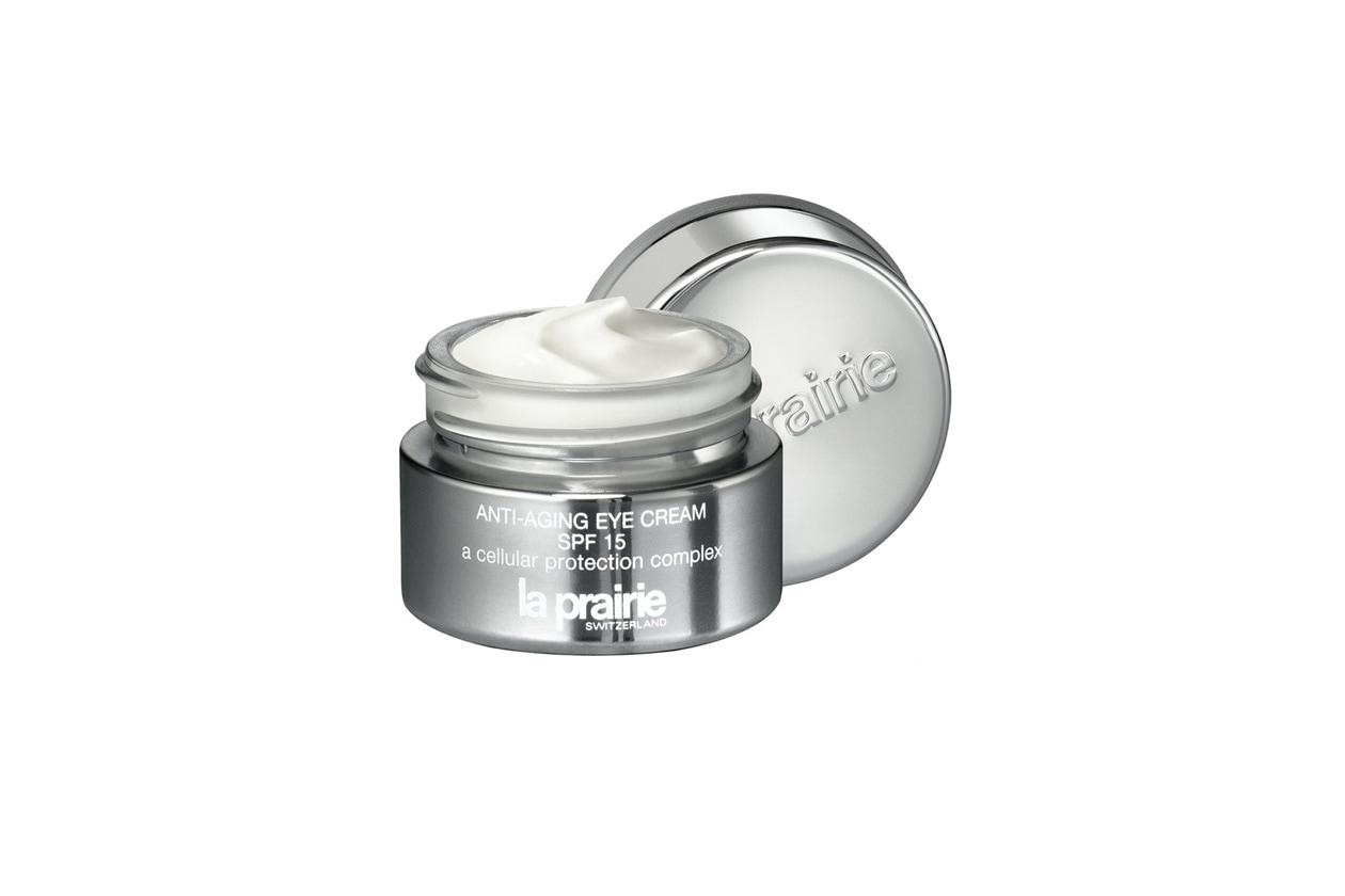 L'Anti-Aging Eye Cream SPF 15 di La Prairie agisce su tre fronti: aiuta a prevenire la perdita d'idratazione, rigenera e preserva la vitalità