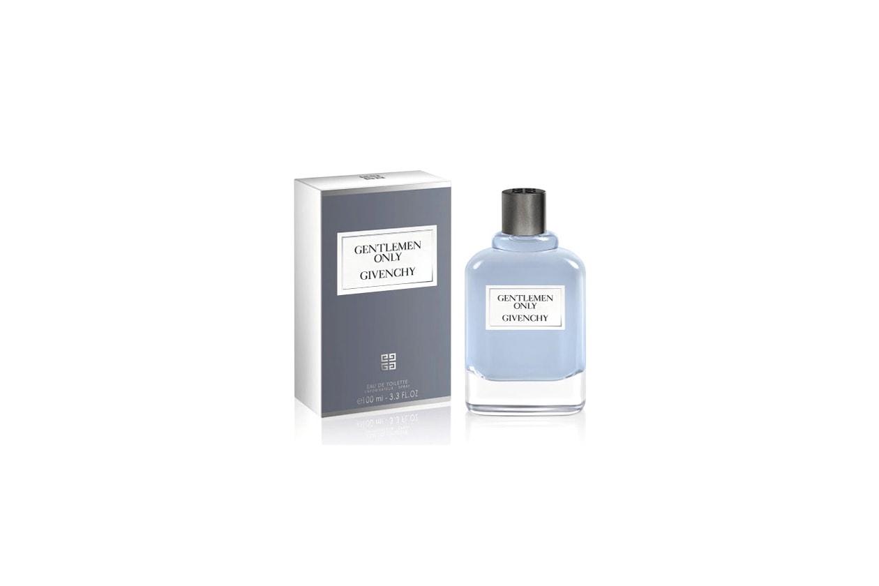 Solo per gentiluomini. Gentlemen Only di Givenchy, dalle note aromatiche e legnose, rappresenta la seduzione maschile senza tempo