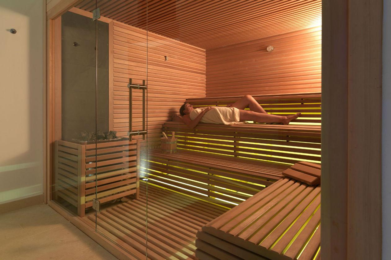 Time to relax alla sauna del Resort Collina d'Oro