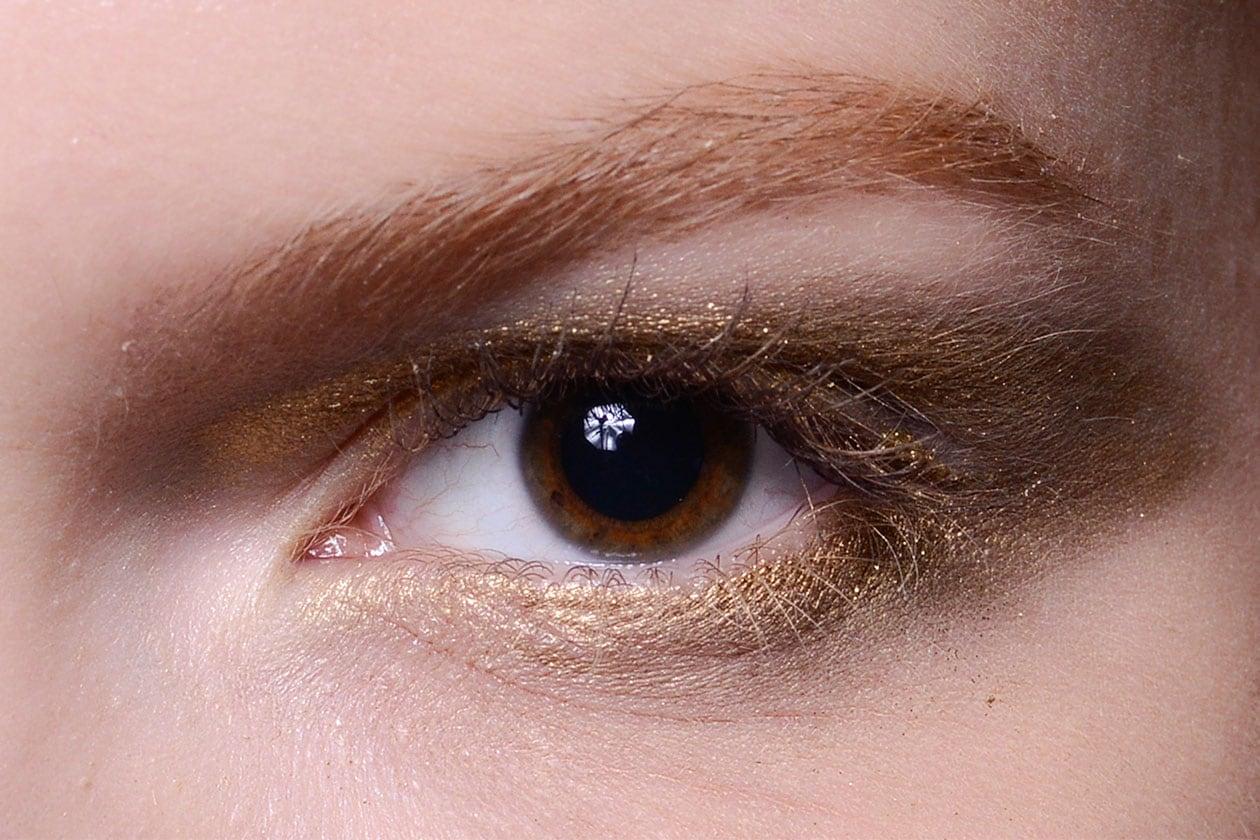 Una coppia vincente: oro e marrone chiaro (Emporio Armani)
