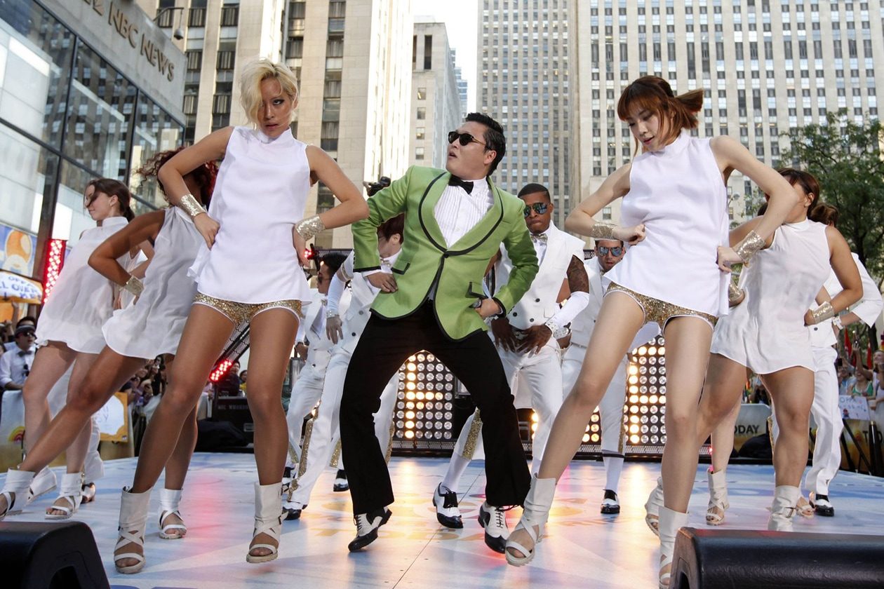 psy-live-gangnam-style-dance